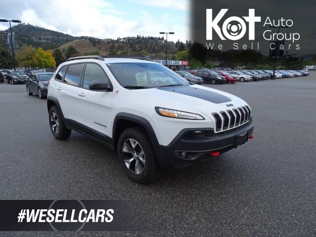 2018 Jeep Cherokee Trailhawk Heated Leather Seats and Steering wheel, Panoramic Sunroof Kelowna BC