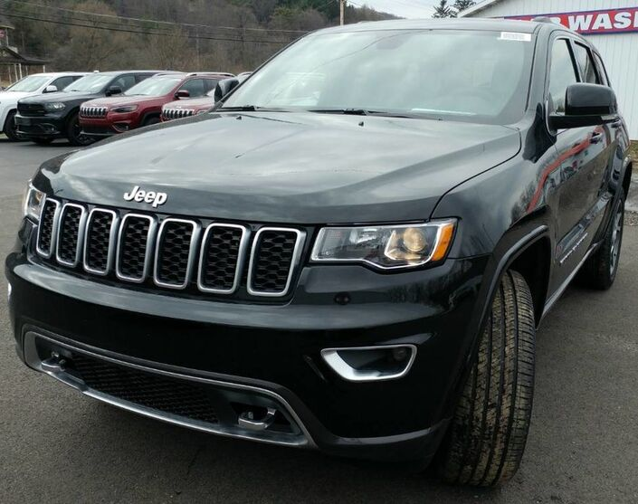 2018 Jeep Grand Cherokee Sterling Edition Rock City NY