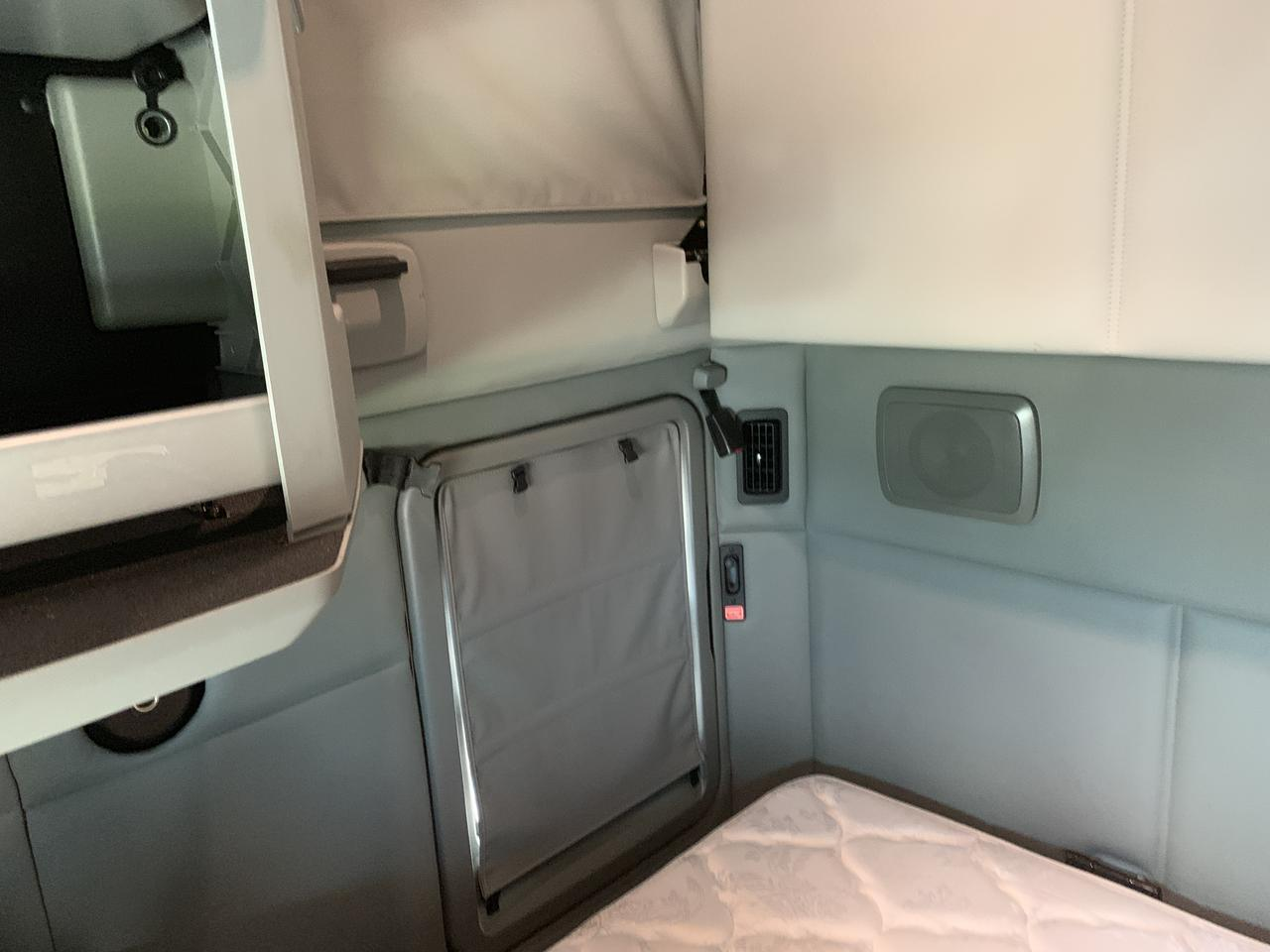 2018 Kenworth T680 Sleeper Fort Lauderdale FL