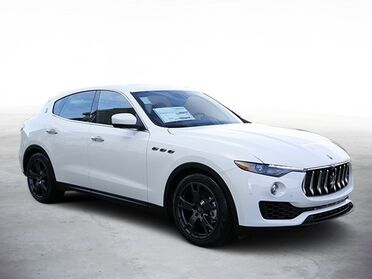 2018_Maserati_Levante__ Chicago IL