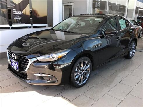 2018 Mazda Mazda3 GRAND TOUR AUTO Brookfield WI