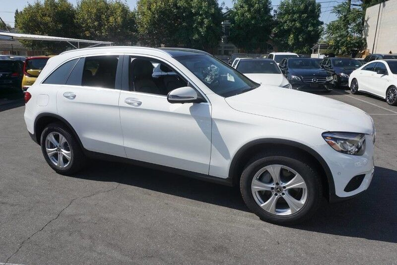 2018 Mercedes-Benz GLC GLC 300 (06/17) PANORAMA ROOF / P01 / MULTIMEDIA WITH NAVIGATION Monterey Park CA