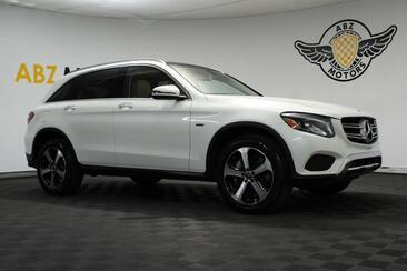 2018_Mercedes-Benz_GLC_GLC 350e Panoramic Roof Blind Spot Rear View_ Houston TX