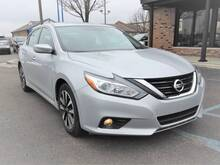 2018_Nissan_Altima_2.5 SV 4dr Sedan_ Chesterfield MI