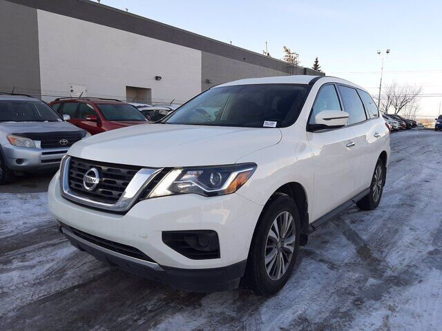 2018 Nissan Pathfinder 4WD | BLUETOOTH | BACK UP CAM | BLOW OUT SPECIAL!! Calgary AB