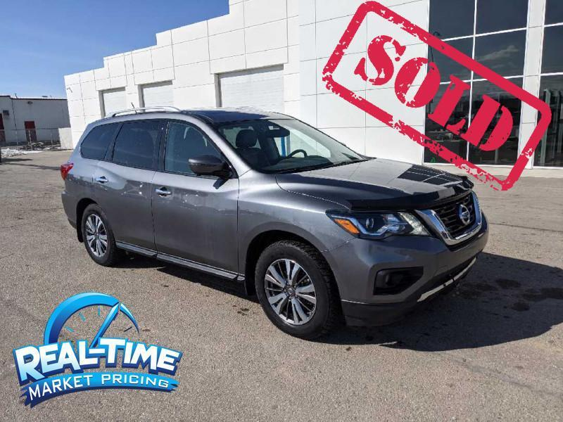 2018_Nissan_Pathfinder_4x4 Platinum_ High River AB