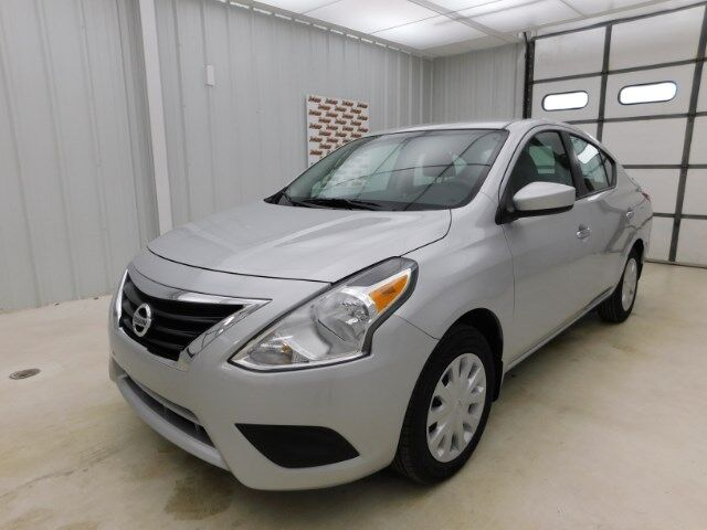 2018 Nissan Versa Sedan SV CVT Manhattan KS