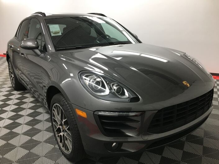 2018 Porsche MACAN BASE Appleton WI