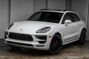 2018_Porsche_Macan_GTS_ Akron OH