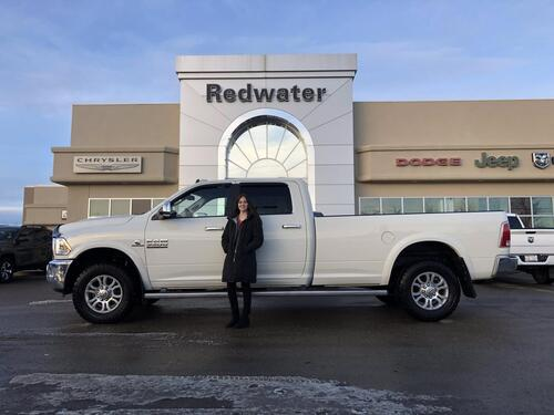 2018_Ram_3500_Laramie 4X4 - Cummins Diesel - 5th Wheel Prep - Sunroof - Nav - Remote Start - 8ft Box - Bench Seat_ Redwater AB