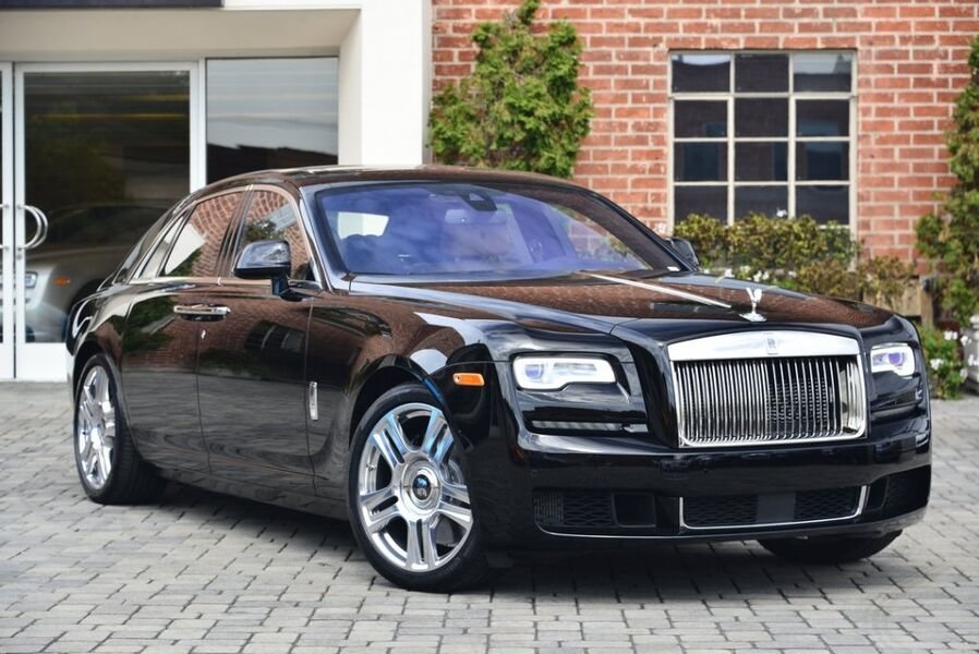 2018_Rolls-Royce_Ghost__ Beverly Hills CA