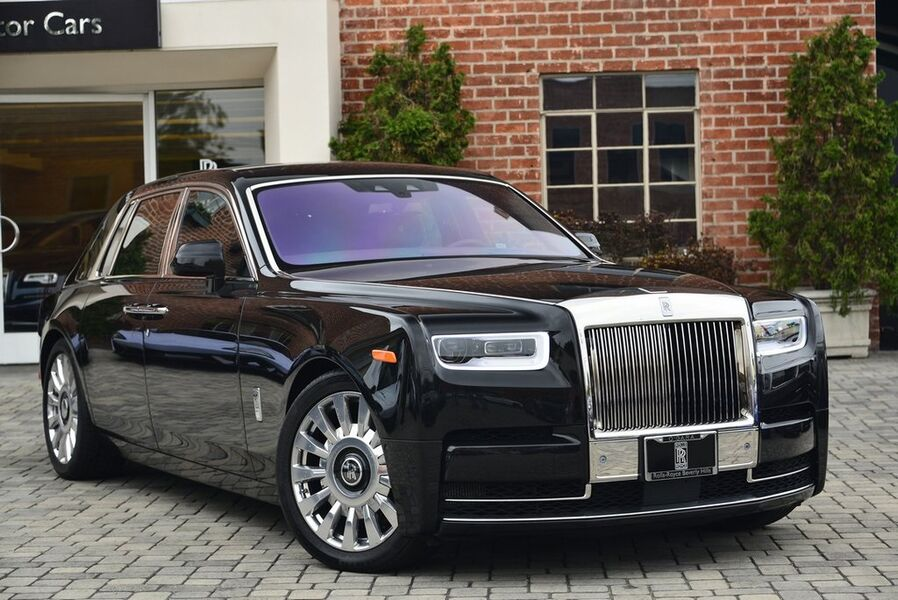 2018_Rolls-Royce_Phantom__ Beverly Hills CA