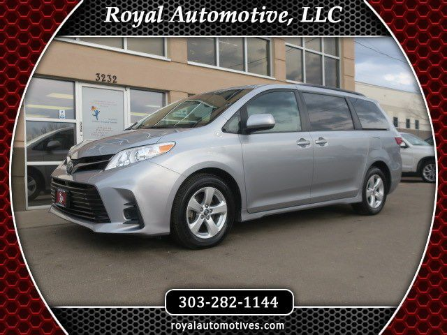 2018 TOYOTA SIENNA LE Englewood CO