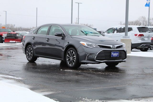 2018 Toyota Avalon XLE Green Bay WI