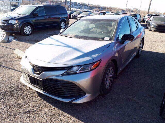 2018 Toyota Camry ** HAIL SALE ** 2.5L 4 CYL | BACKUP CAMERA Calgary AB