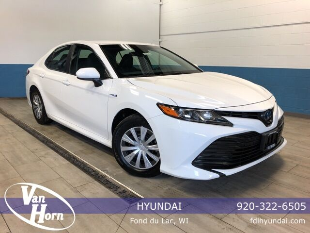2018 Toyota Camry Hybrid LE Plymouth WI