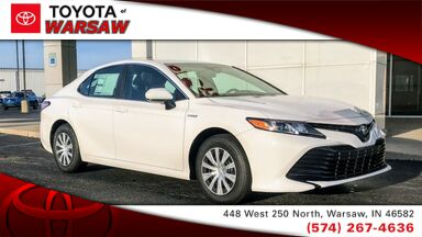 2018_Toyota_Camry_Hybrid LE_ Warsaw IN
