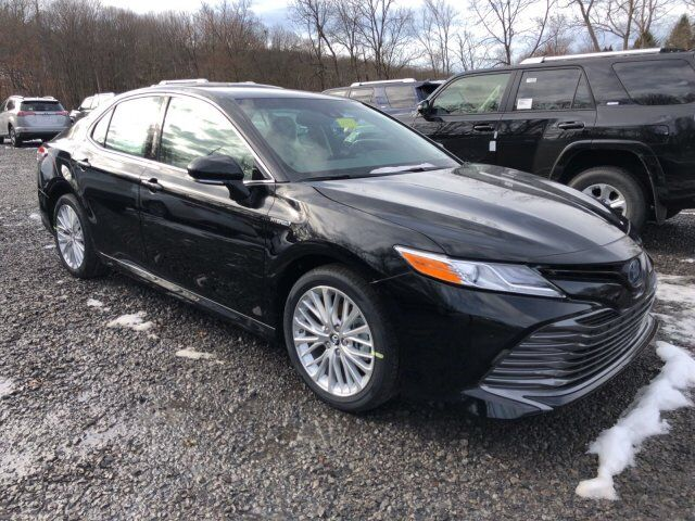 2018 Toyota Camry Hybrid XLE Cranberry Twp PA