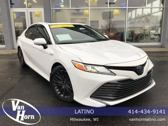 2018 Toyota Camry Hybrid XLE Plymouth WI