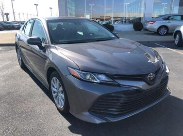 2018_Toyota_Camry_LE Auto_ Muncie IN
