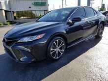 2018_Toyota_Camry_SE_ Fort Wayne Auburn and Kendallville IN
