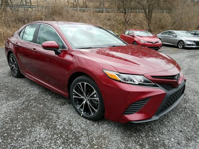 2018 Toyota Camry SE Cranberry Twp PA