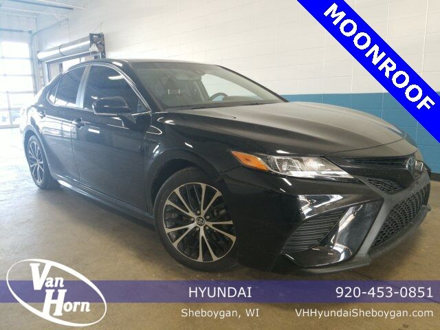 2018 Toyota Camry SE Plymouth WI