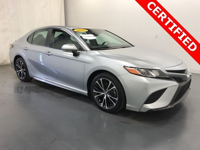 2018 Toyota Camry SE w/ Moonroof Holland MI