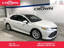 2018_Toyota_Camry_XLE V6 / Fully Loaded / Heads Up Display / Local / One Owner / Immaculate Condition / Great Value_ Winnipeg MB