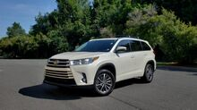 2018_Toyota_HIGHLANDER_XLE / NAV / SUNROOF / ENTERTAINMENT / CAMERA_ Charlotte NC