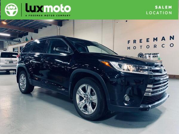 2018_Toyota_Highlander_AWD Hybrid Limited Rear DVD System_ Salem OR