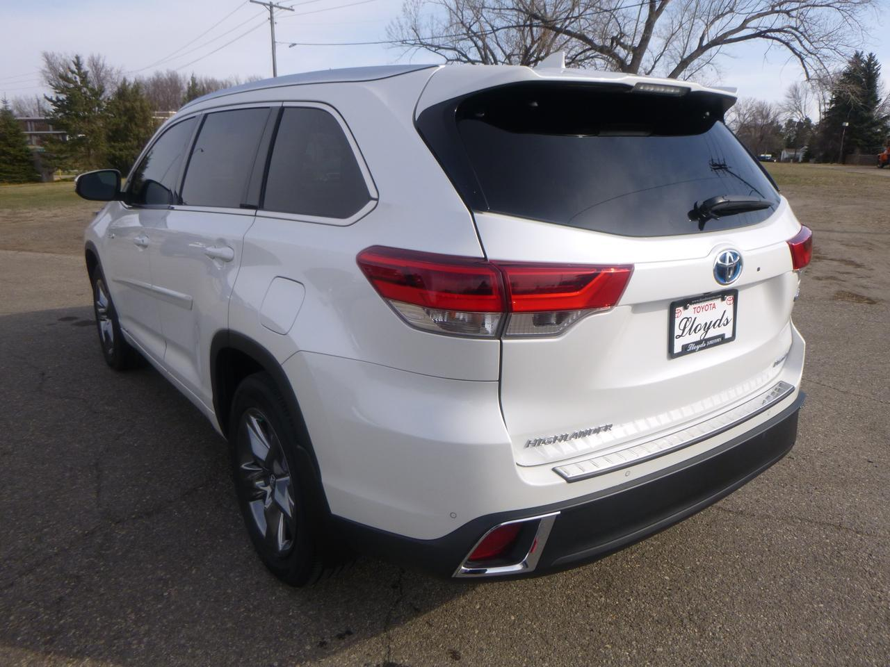2018 Toyota Highlander Hybrid Limited Platinum V6 AWD Jamestown ND