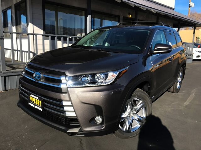 Vehicle details 2018 toyota highlander at perry motors for Perry motors bishop ca