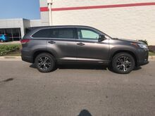 2018_Toyota_Highlander_LE L4 FWD_ Decatur AL