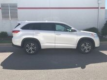 2018_Toyota_Highlander_LE PLUS V6 FWD (SE)_ Decatur AL