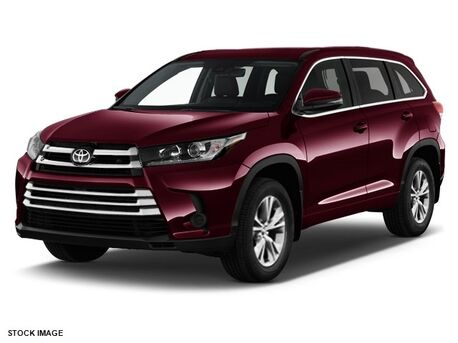 2018_Toyota_Highlander_LE_ Burnsville MN