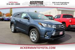 2018_Toyota_Highlander_Limited_ St. Louis MO