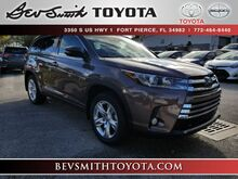 2018_Toyota_Highlander_Limited V6 AWD w/Captain Chairs_ Fort Pierce FL