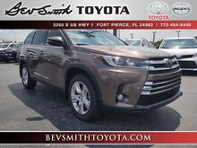 2018_Toyota_Highlander_Limited V6 w/Bench Seat_ Fort Pierce FL