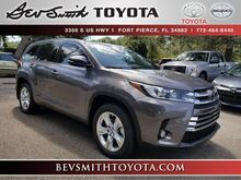2018_Toyota_Highlander_Limited V6 w/Captain Chairs_ Fort Pierce FL