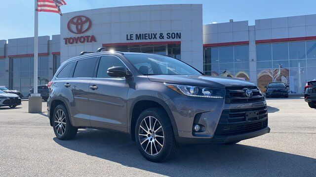2018 Toyota Highlander SE Green Bay WI