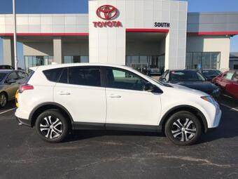 2018_Toyota_RAV4_LE AWD_ Richmond KY