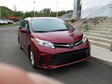 2018_Toyota_Sienna_LE_ Canonsburg PA