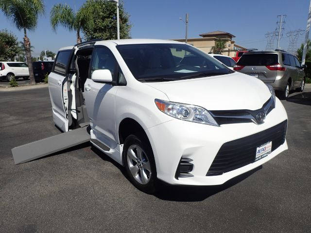 2018 Toyota Sienna LE Mobility Anaheim CA