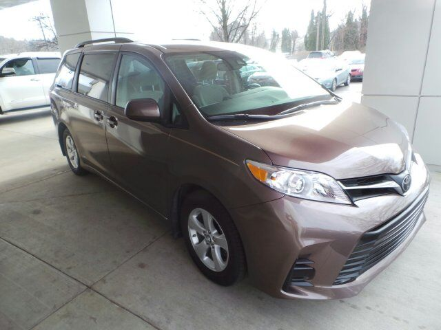 2018 Toyota Sienna LE State College PA