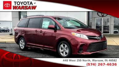 2018_Toyota_Sienna_LE_ Warsaw IN