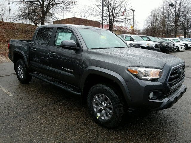2018 Toyota Tacoma SR5 Double Cab 5' Bed V6 4x4 AT Cranberry Twp PA
