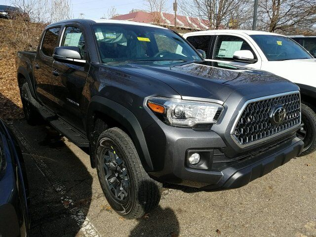 2018 Toyota Tacoma TRD Off Road Double Cab 5' Bed V6 4x4 MT Cranberry Twp PA