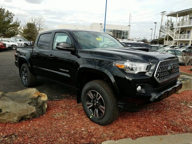 2018 Toyota Tacoma TRD Sport Double Cab 5' Bed V6 4x4 MT Cranberry Twp PA