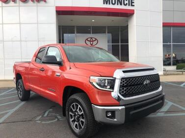 2018_Toyota_Tundra 4WD_SR5 Double Cab 6.5' Bed 5.7L FFV_ Muncie IN